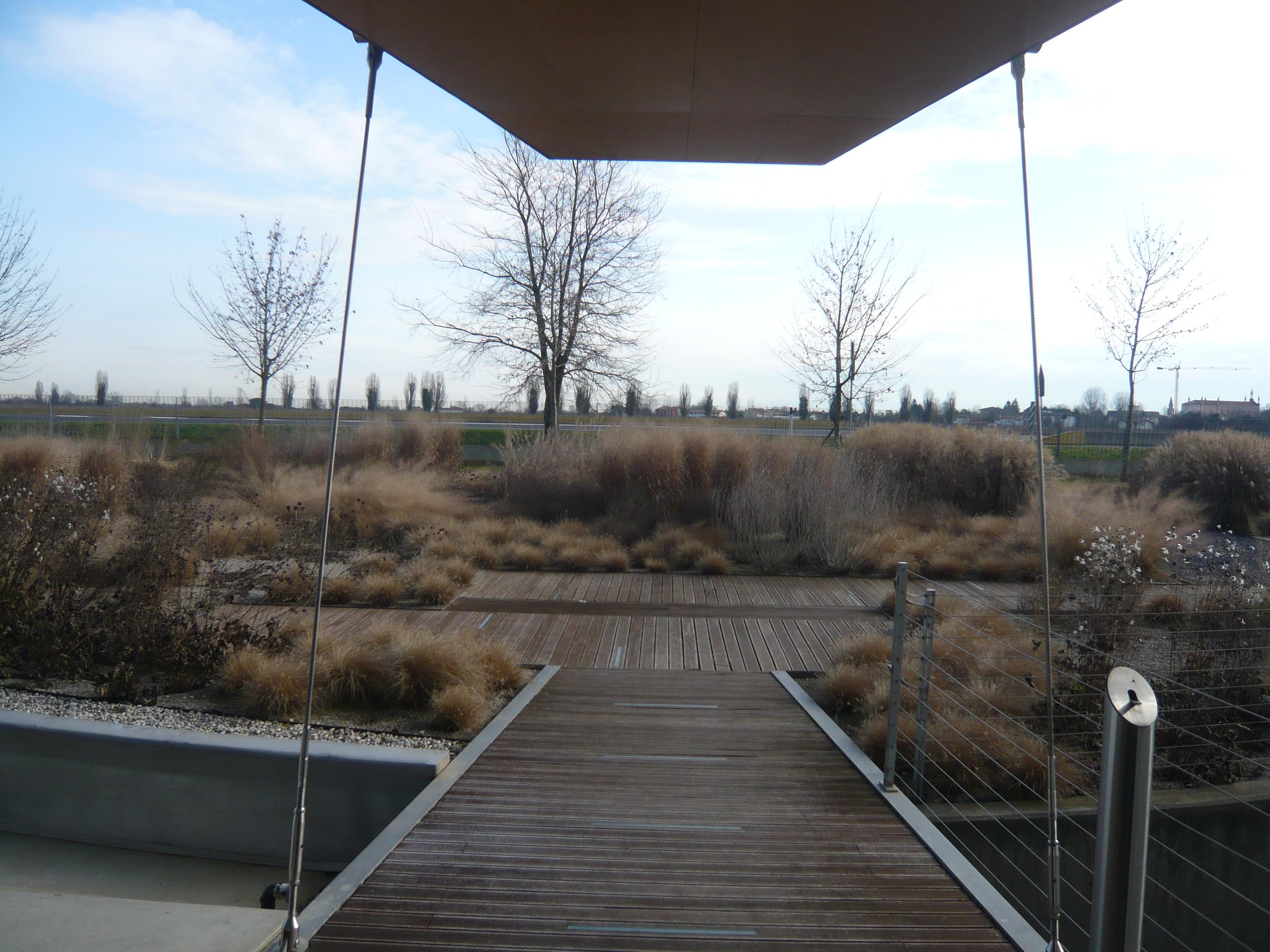 vista invernale all'uscita dell'ingresso principale.